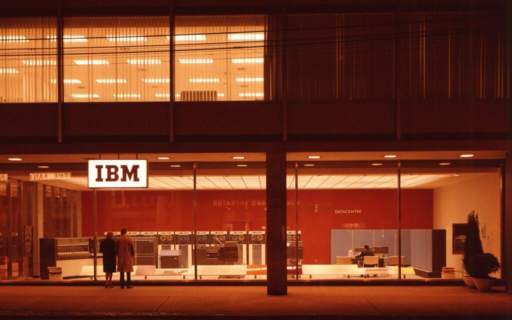 IBM office | Marketing Mix of  IBM  | IIDE