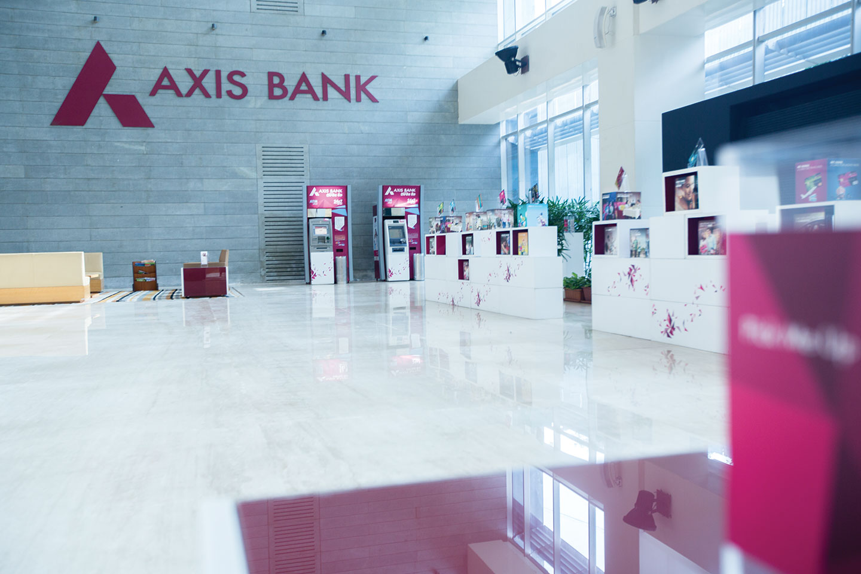 process of Axis Bank-Marketing mix of Axis Bank | IIDE